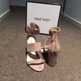 7.5 Nine West Suede Heels