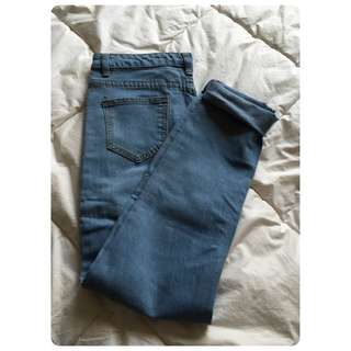 Low Rise Skinny Jeans In Mid Wash Blue