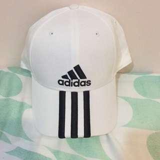 保留中✨(近全新)Adidas帽子