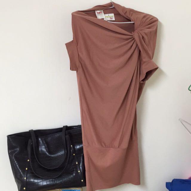 🔱全新🔱設計款領口洋裝❌490