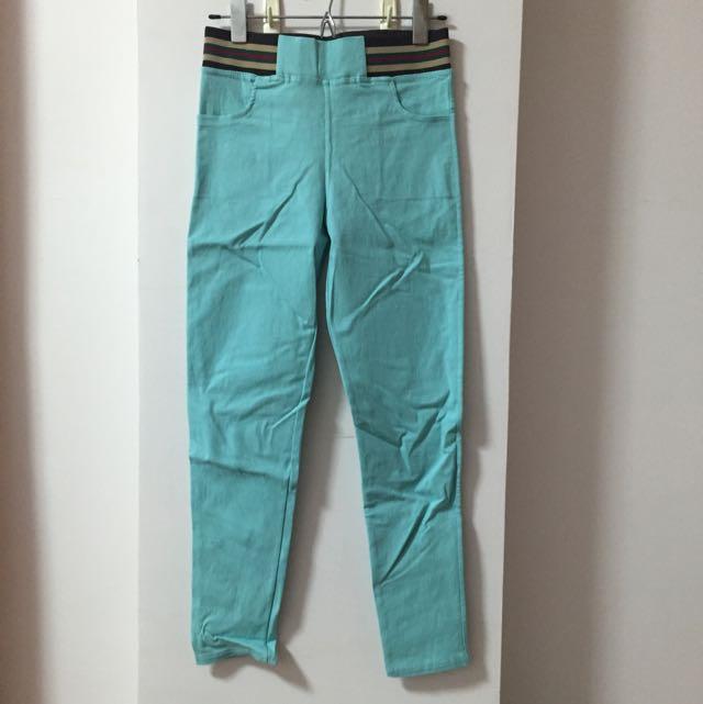 全新 超級好穿藍綠內搭褲