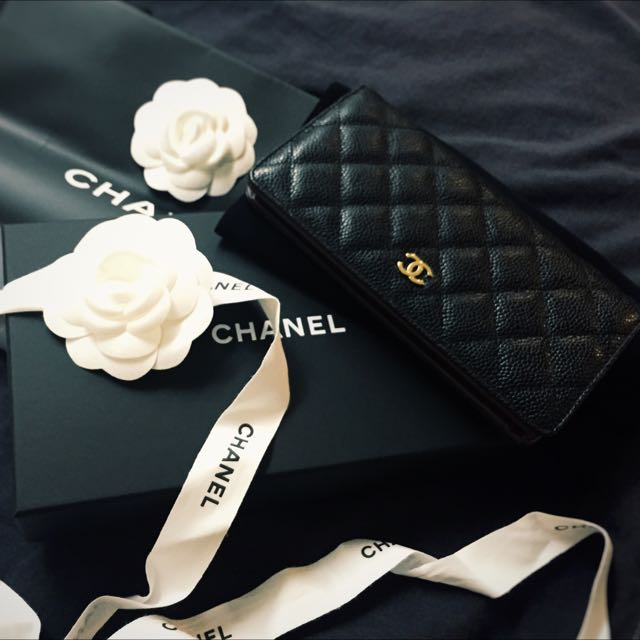 e203a91f0335 Chanel Wallet [PRICE REDUCE], Luxury, Bags & Wallets on Carousell