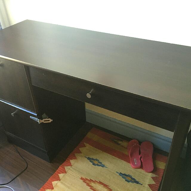 Desk - Perfect for Students!