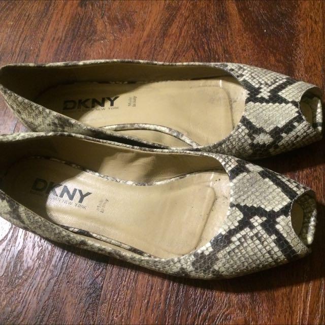 DKNY snake Embossed Peep Toe flats