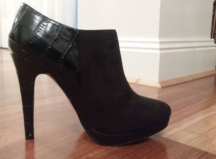 $12 Reduced! Forever New Size 38 boots