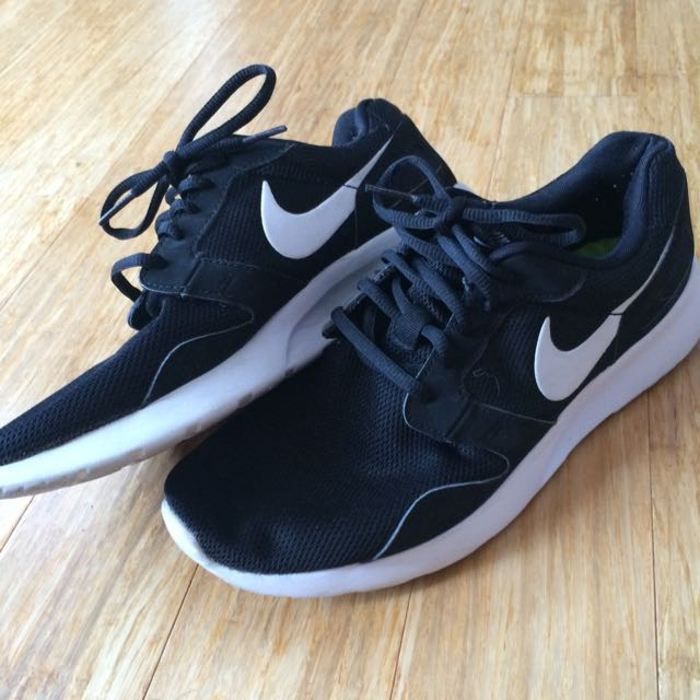Men's Size 9 Nike