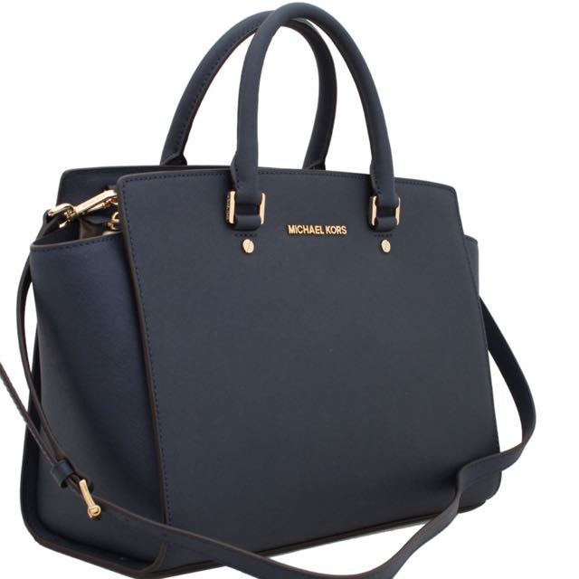 4ac7b626e4e1 Michael Kors Selma Large Saffiano Leather Satchel In navy blue, Luxury,  Bags & Wallets on Carousell