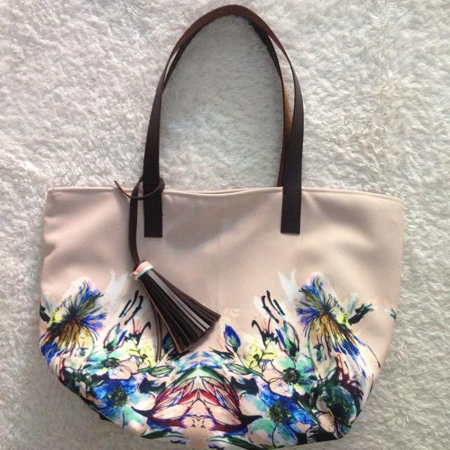 Nude Flower Tote Bag