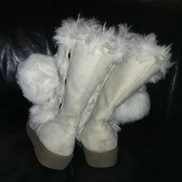 OLD NAVY Snow Boots