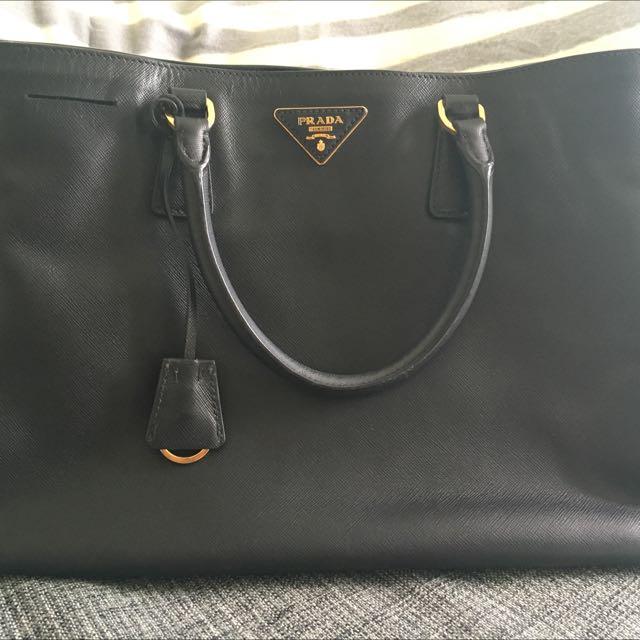 65f2375e5042ad Pre loved PRADA Saffiano Lux Tote Bag - BN 1844, Luxury, Bags ...