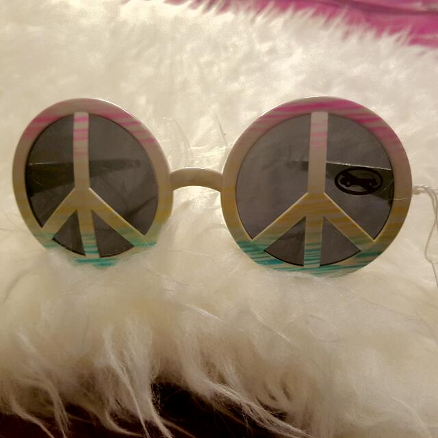 Brand New Retro Vintage Style Peace Sign Sunnies Sunglasses