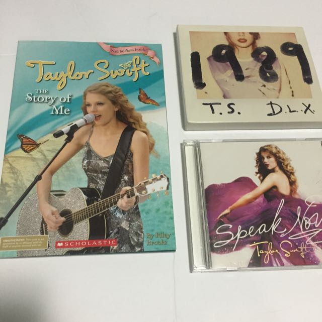 Taylor Swift Book And CD Package Deal