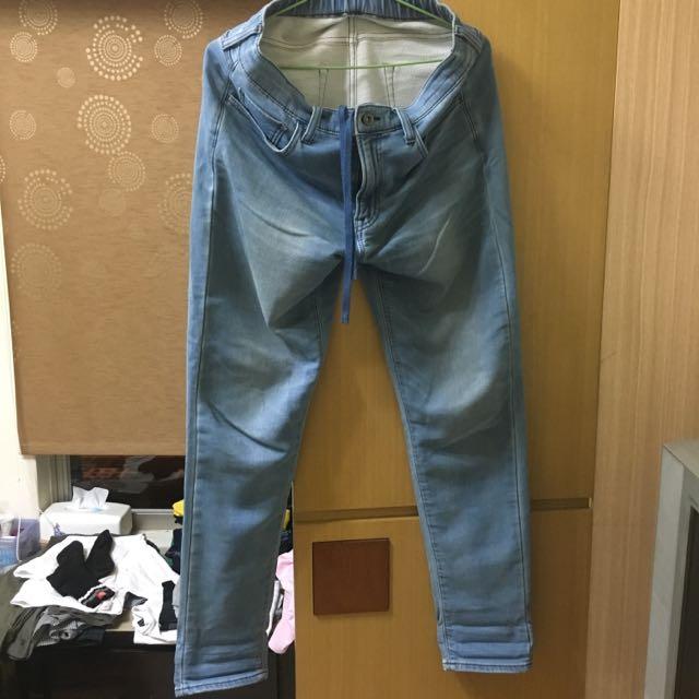 Uniqlo彈性牛仔褲