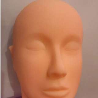 Mannequin Makeup Training  - FREE SHIPPING