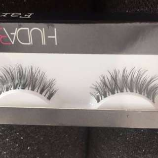 Huda Beauty Eyelashes - FREE SHIPPING