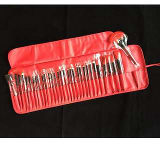 32pcs RED make up brushes / leather bag