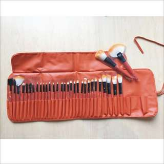 32pcs Orange make up brushes