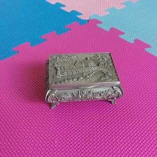 俄羅斯錫制品置物盒