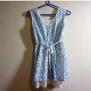 (韓貨)V領、圓領兩面穿 普普風 幾何圖形 白X藍 綁帶洋裝