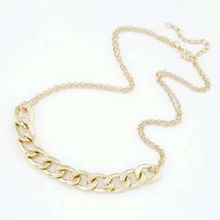 Gold Chic Neklace 01
