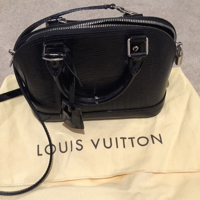 *AUTHENTIC* Louis Vuitton Alma BB Epi in Shiny Black