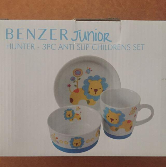 Benzer Junior Anti Slip Children's Dining Set