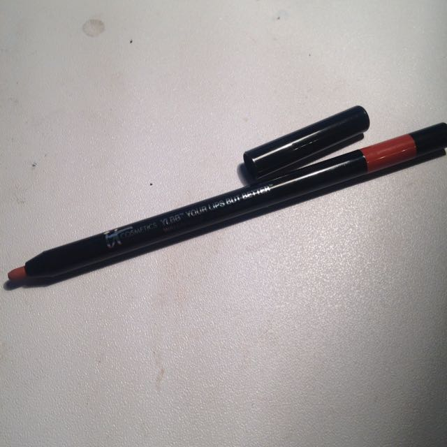 It Cosmetics Lip liner