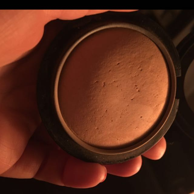 MAC Mineralised skin Finish.