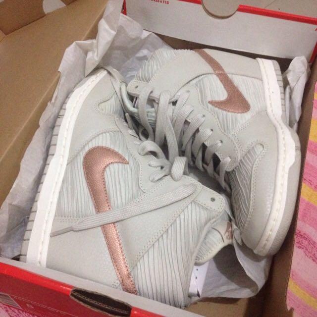 Nike Womens Dunk Sky Hi