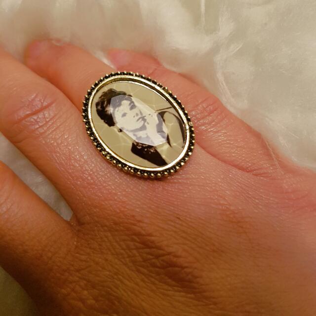 Retro Vintage Audrey Hepburn Adjustable Ring