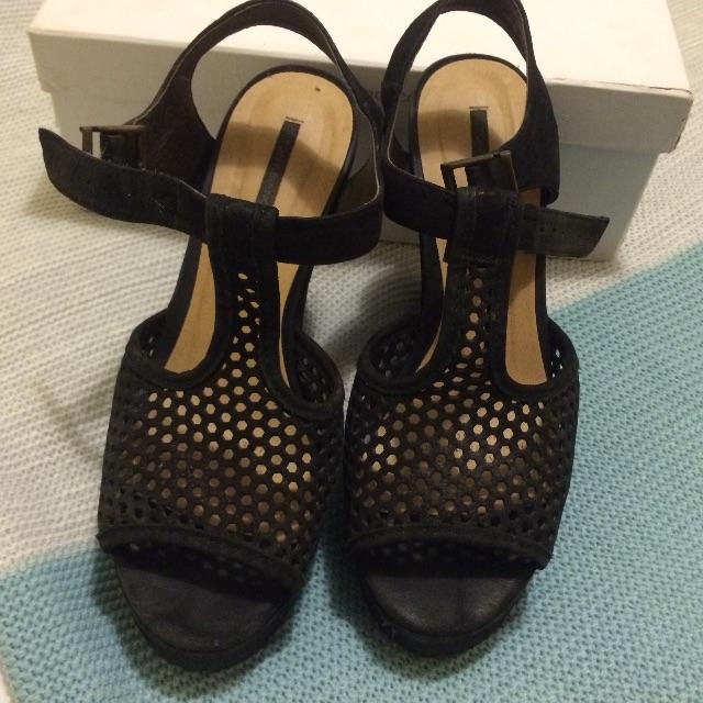 Reduced! Tony Bianco size 8 wedge heels