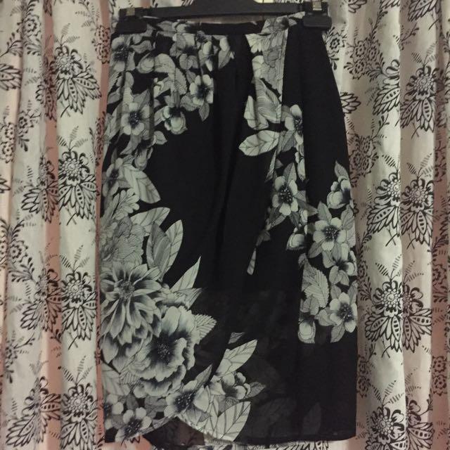 Verge Girl Skirt