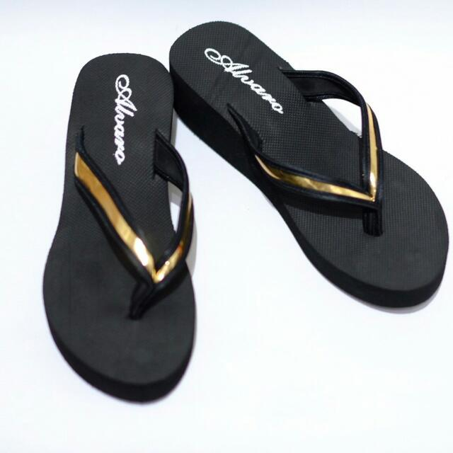 WEDGES SPON BLACK LIST GOLD.