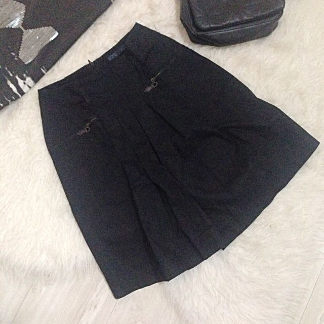 Zara Black Pleated Skirt
