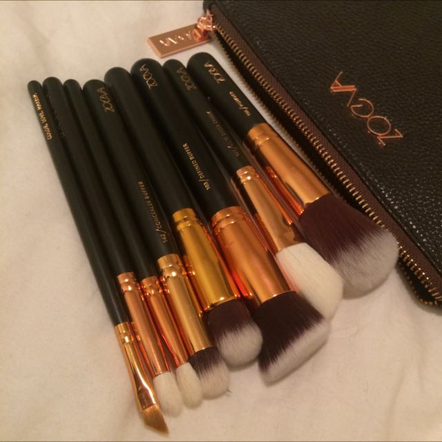 Zoeva Makeup Brushes And Purse