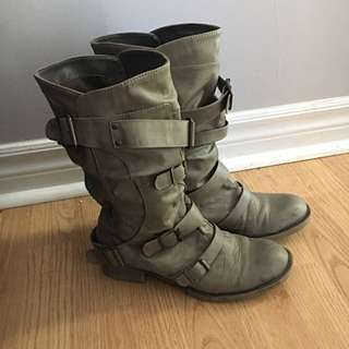 Size 6 Spring Moto Boots