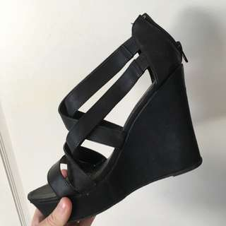 Size 9 Black Wedge