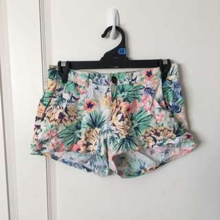 Size 8 Mini Shorts Floral