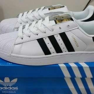 adidas愛迪達 男運動 黑白色 金標 superstar us9.5