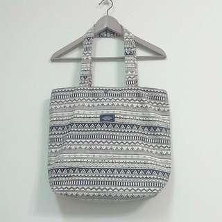 圖騰側背包 圖騰肩背包 圖騰包 手提袋 麻布包 帆布包 泰國包 民族風 古著