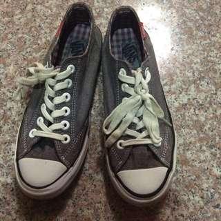 Vans灰色帆布鞋23.5
