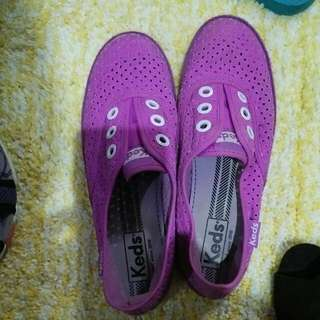 keds original shoes..size 6