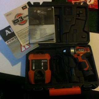 AEG 12V 2-Speed Compact Interchangeable Chuck System Drill Kit