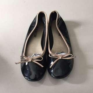 Black Ribbon Flat Shoe