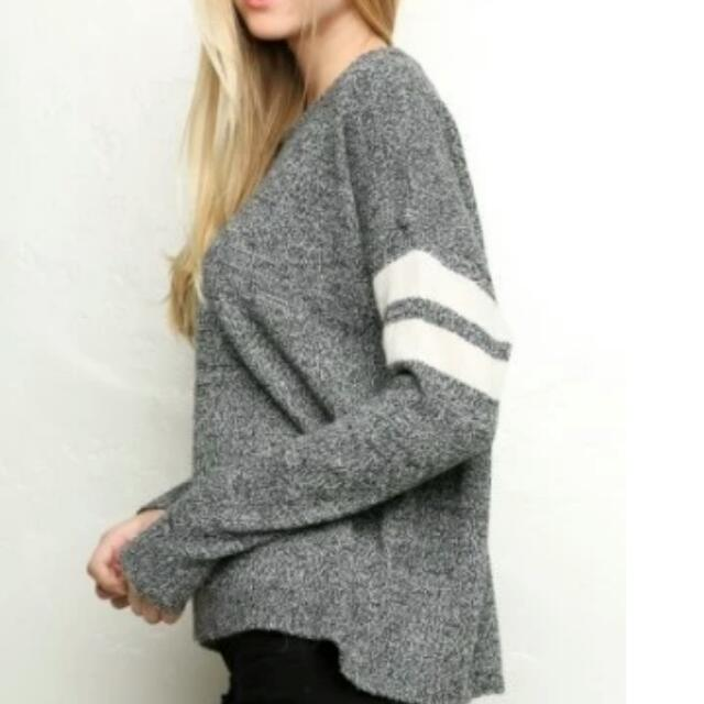 [Authentic] Brandy Melville Veena Sweater