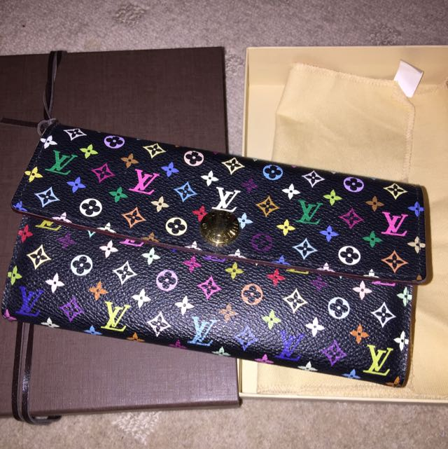 *AUTHENTIC* Louis Vuitton Sarah Wallet