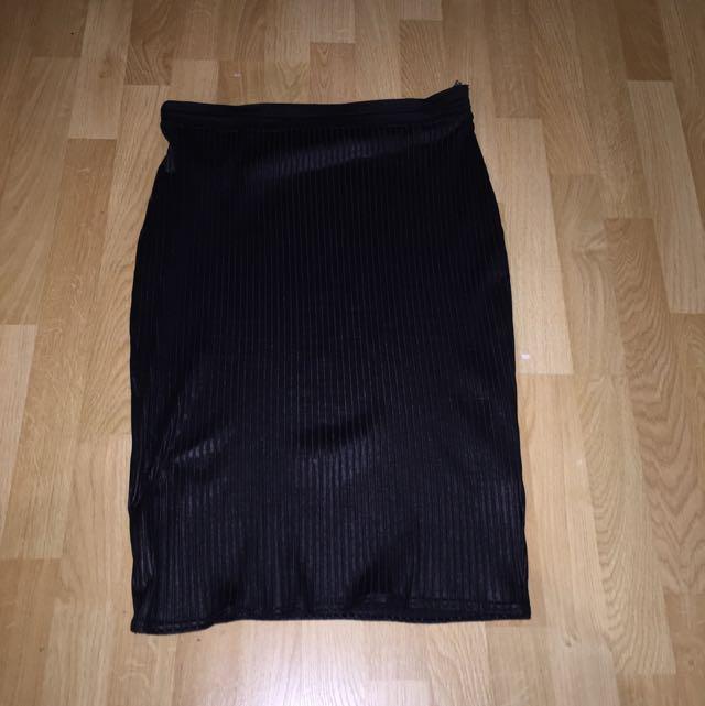 Black BOOHOO Ribbed midi Skirt