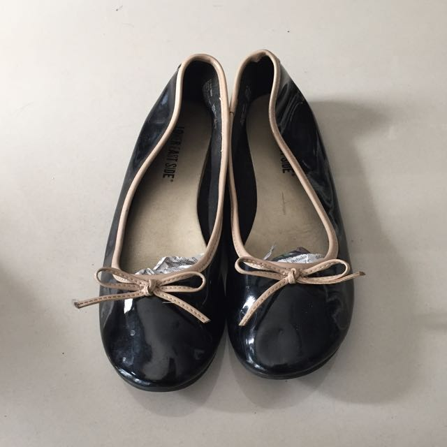 Black Ribbon Flat Shoe