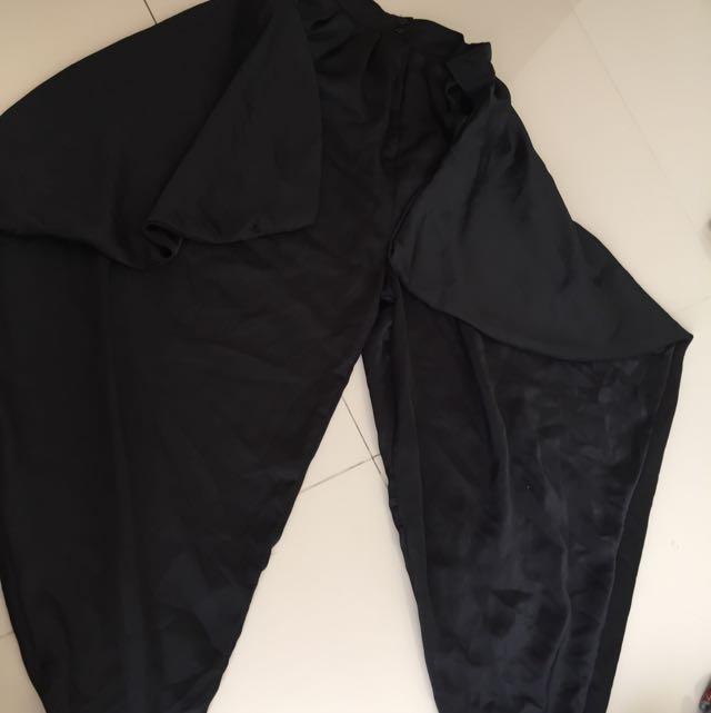 celana hitam aladdin