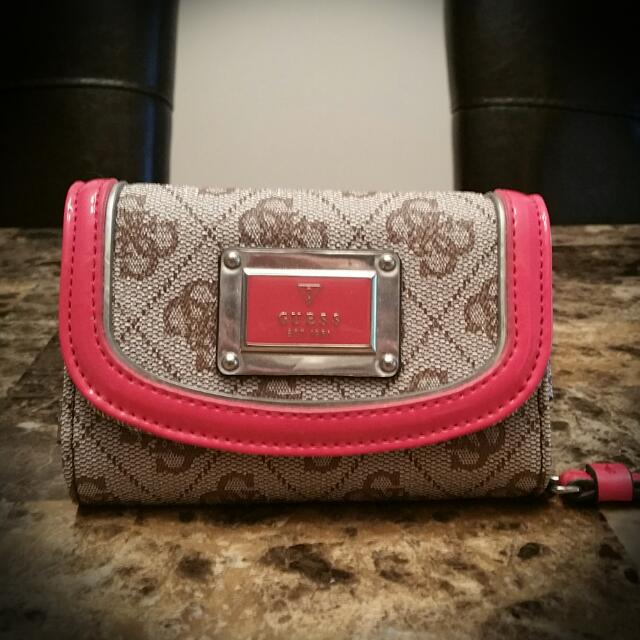 Guess Wristlet With Phone Holder